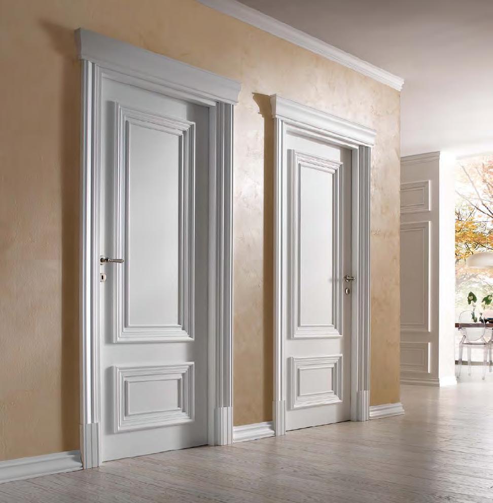 Белые двери в интерьере дома фото