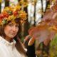 Как сделать венок на голову из осенних листьев с яблоками?