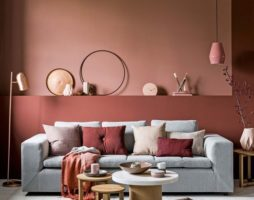 Декоративная краска для стен: уникальные свойства и способности универсального отделочного материала