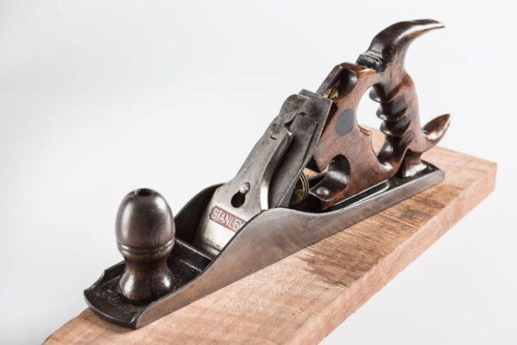 инструмент по дереву