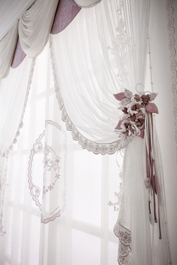 шторы в зал с ламбрекенами