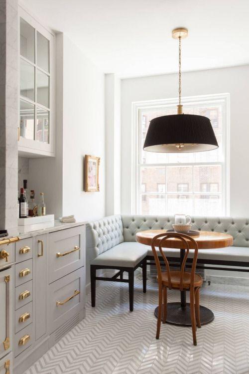кухня в золотом стиле