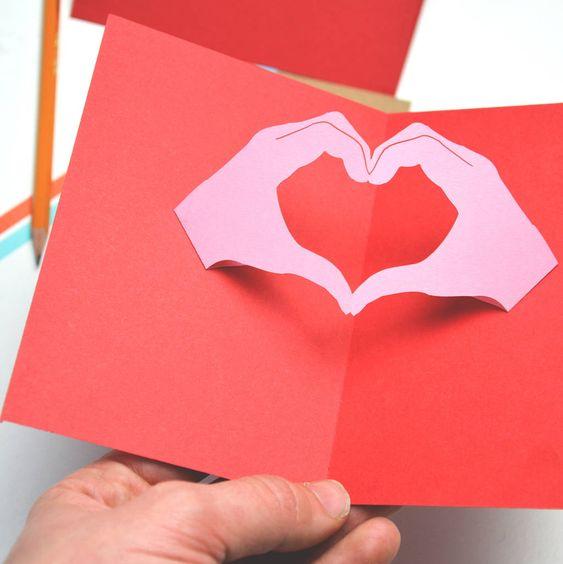 уступив открытка с раскрывающимся сердцем маленький мальчик вырос