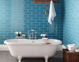 Утонченный дизайн ванной комнаты в бирюзовых тонах