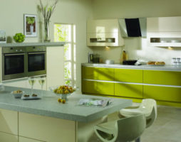 Сочетание уюта и изысканности – кухня в оливковых тонах