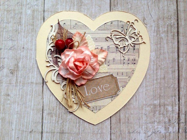 Открытка с сердечками скрапбукинга, марта