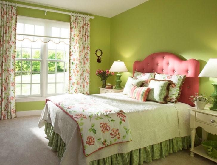 спальная в фисташковом цвете