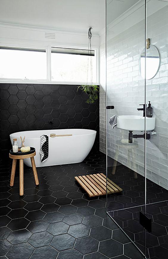 ванная в темных тонах