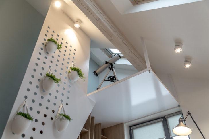 натяжные потолки на мансарде