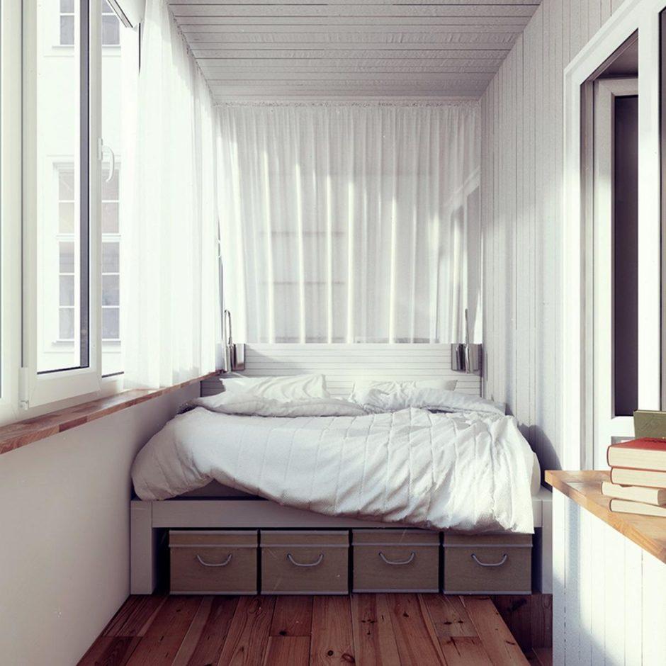 Балкон объединенный с комнатой. Спальное место