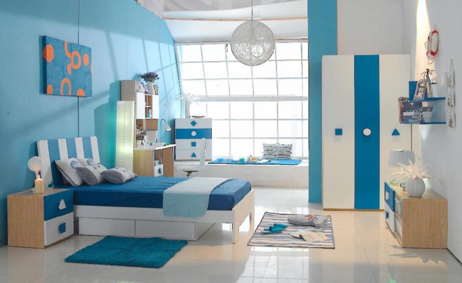 Особенности оформления пространства с голубыми обоями