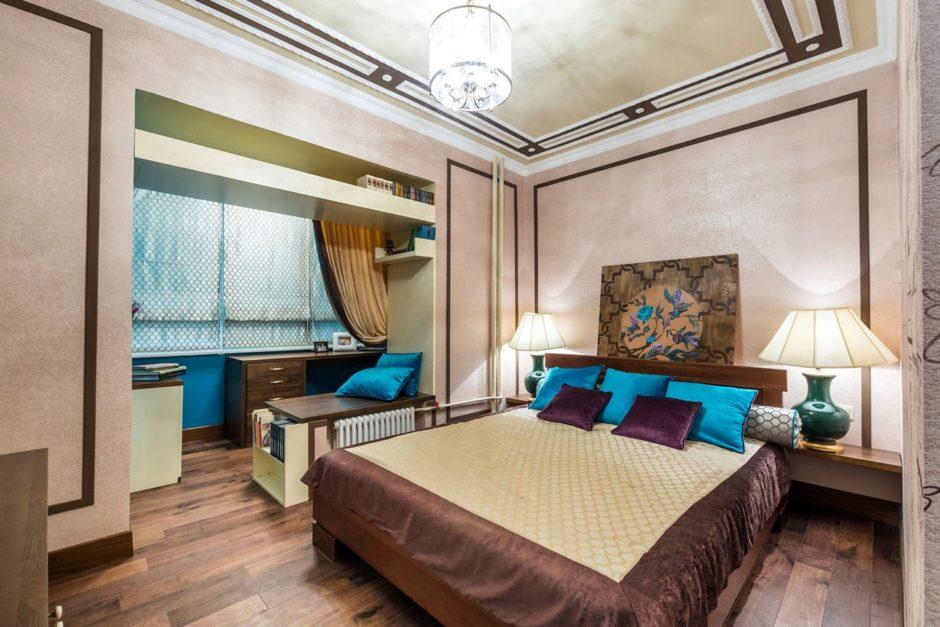 Объединенная спальня с балконом