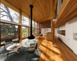 Устройство потолка в деревянном доме: нюансы