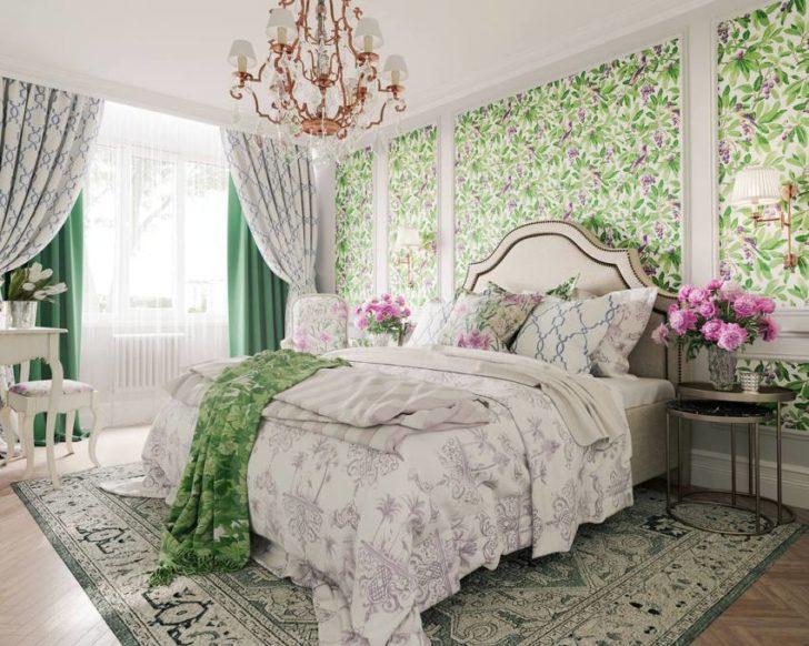 зеленые обои с цветочным рисунком в спальне