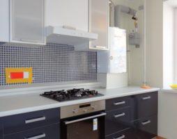 Комфортная кухня с современным газовым оборудованием